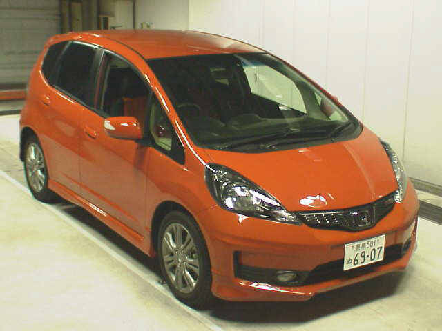 Japanese-Used-Honda-Fit-1573-a