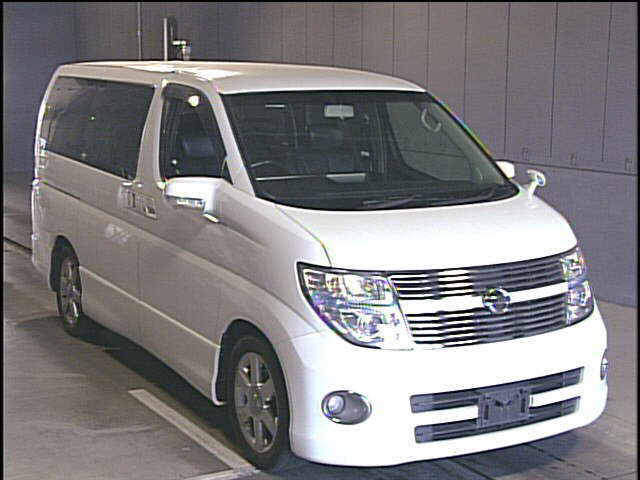 Used Nissan Elgrand Cars in Japanese car auction