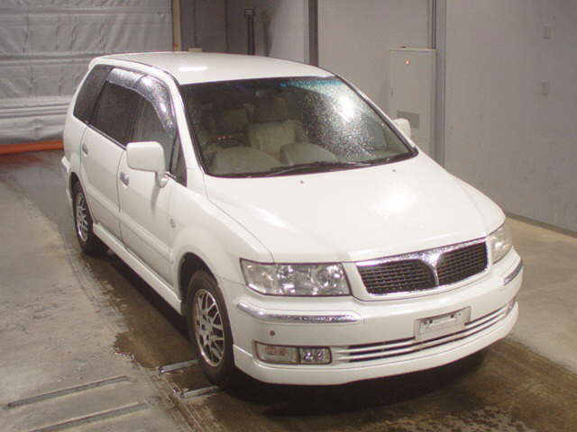 Mitsubishi Grandis 2007 in Japan car auction
