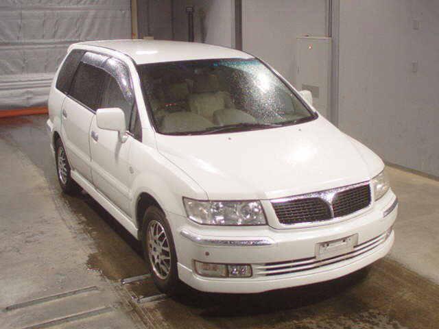 Mitsubishi Grandis 2007 in Japan car auction