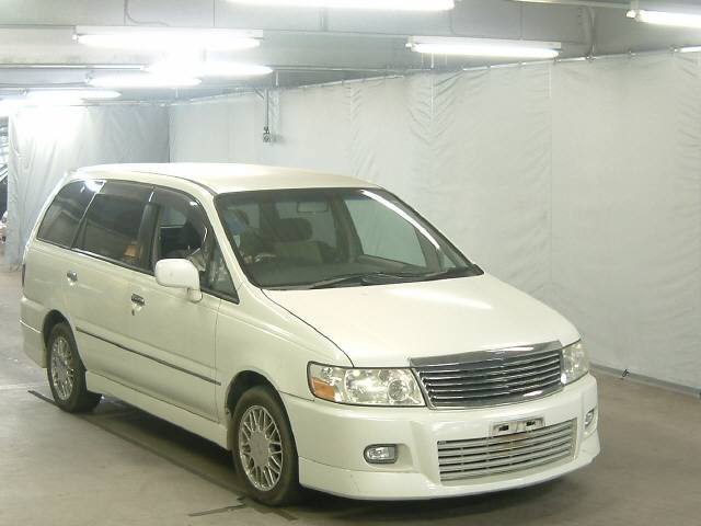 2000 Nissan Bassara in Japan Auto auction