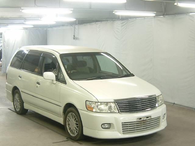 2000 Nissan Bassara in Japan Auto auction