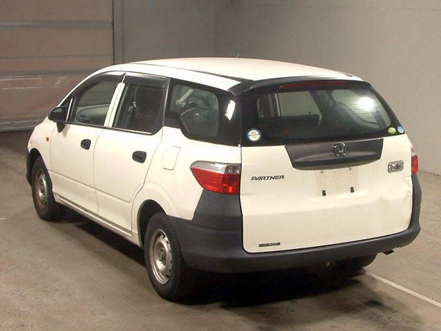 Used Partner 2002 in Japan Auto auction