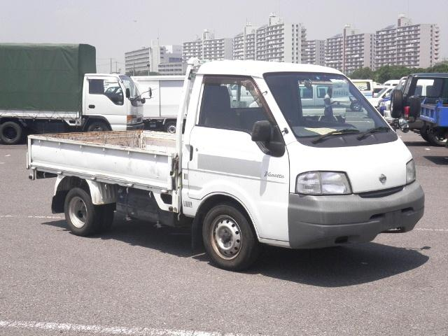 Used Nissan Trucks in Japanese car auction